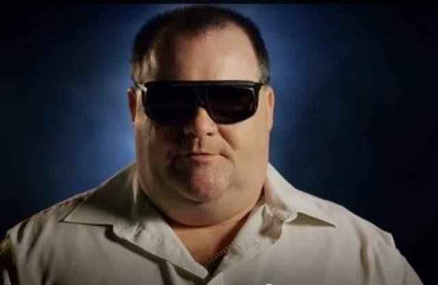 Зрение мужчины восстановили с помощью зуба Строитель Мартин Джонс после несчастного случая оставался слепым в течение 12-ти лет.