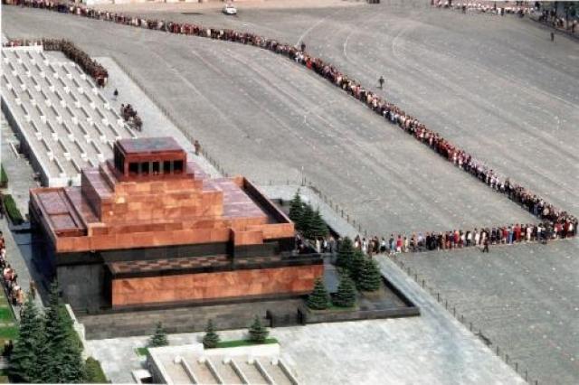 """В сентябре 1967 года на Красной площади произошел самый настоящий теракт: житель Каунаса Крысанов взорвал """"пояс смертника"""" около входа в Мавзолей."""