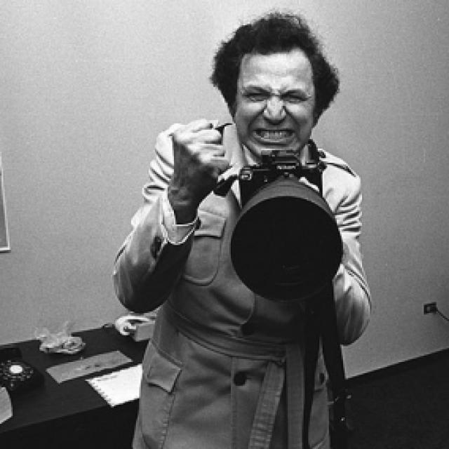 В результате скандальная слава фотографа, естественно, только возросла…