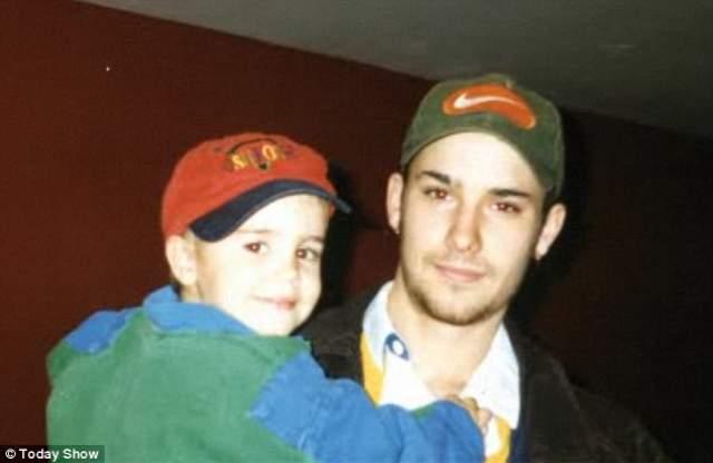 Отец, Джереми Бибер, хоть и завел свою семью, но Джастина никогда не покидал, во всем его поддерживал.