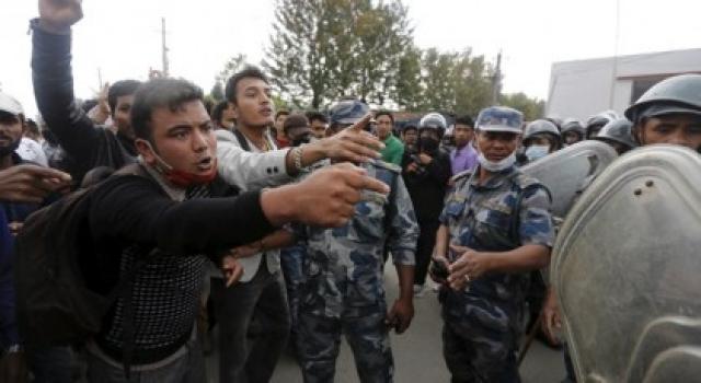 Отсутствие достоверной информации и подозрения в том, что резня на самом деле была инициирована Гьянендрой, привели к массовым беспорядкам в Катманду.