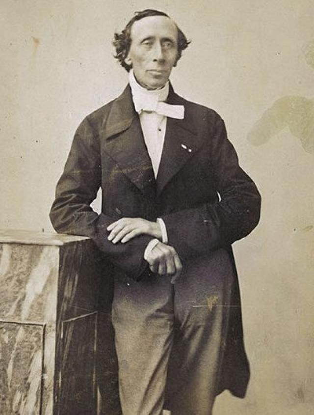 Как о самой мрачной поре своей жизни, Ганс вспоминал об учебе в школе. В 1827 году Андерсен завершил учебу, но до конца жизни он делал в письме множество грамматических ошибок и так и не одолел грамоты.