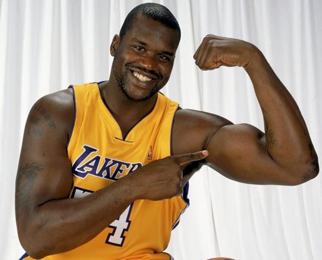 Шакил О'Нил. Американский баскетболист в 1996 году был внесен в список 50 лучших игроков в истории НБА, и из всего списка он был самым молодым.