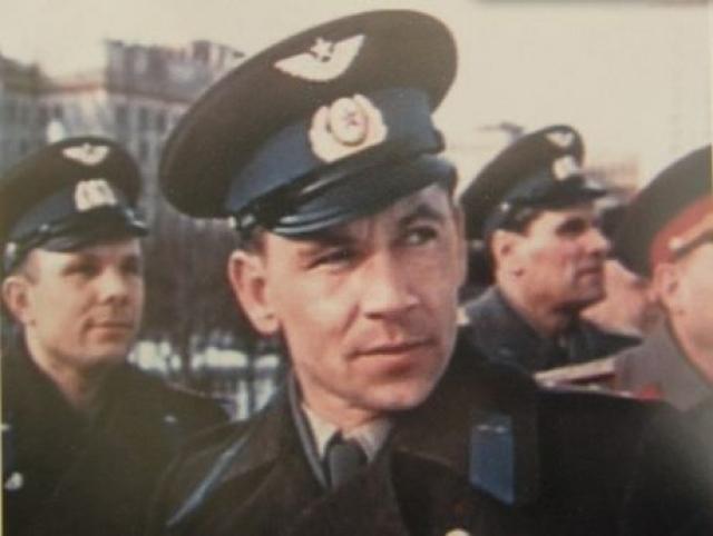 За нарушение воинской дисциплины (конфликт с военным патрулем в нетрезвом виде) был отчислен из отряда космонавтов 17 апреля 1963 года. Нелюбову было предложено извиниться перед начальником патруля и покаяться перед товарищами.