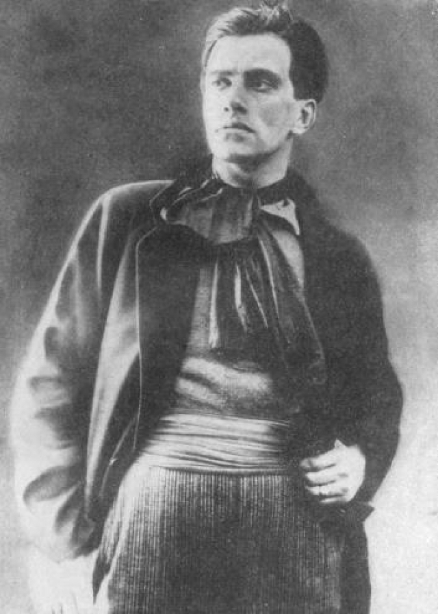 По третьему делу - Пособничество побегу женщин-политкатаржанок из тюрьмы - он тоже был освобожден за недостаточностью улик, но успел отбыть часть срока в нескольких тюрьмах, в Бутырской тюрьме он провел в одиночной камере 11 месяцев и вышел оттуда лишь в 1910 году.