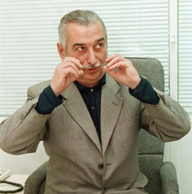 Внуки Сталина. Евгений Джугашвили. Евгений Яковлевич какое-то время возглавлял коммунистическую партию Грузии, штаб которой находился в родном городе Сталина - Гори.