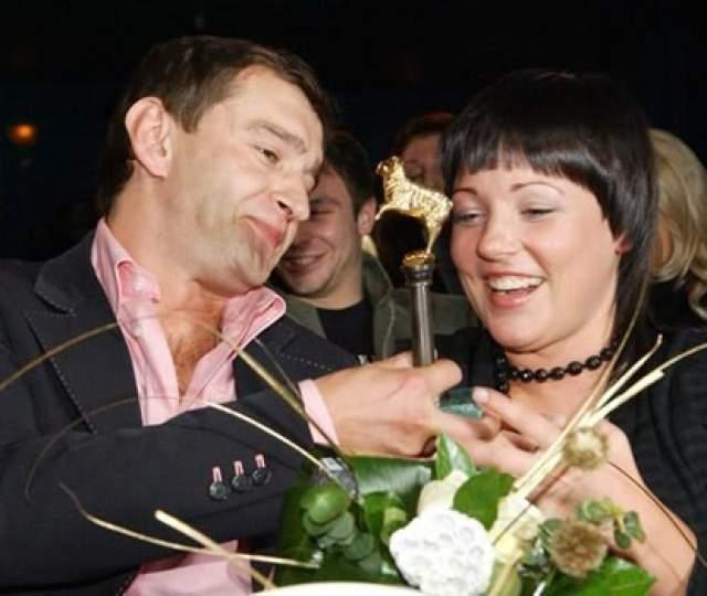 Константин Хабенский и Ольга Литвинова. После гибели жены Анастасии от рака в 2007 году актер закрылся в себе и долго был один.