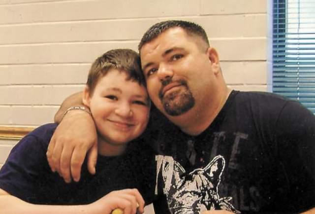Джордан Браун. 11-летний мальчик в 2009 году хладнокровно застрелил беременную невесту своего отца, Кензи Хоук, выстрелив ей в затылок из собственного ружья, подаренного отцом: отец и сын вместе увлекались охотой.