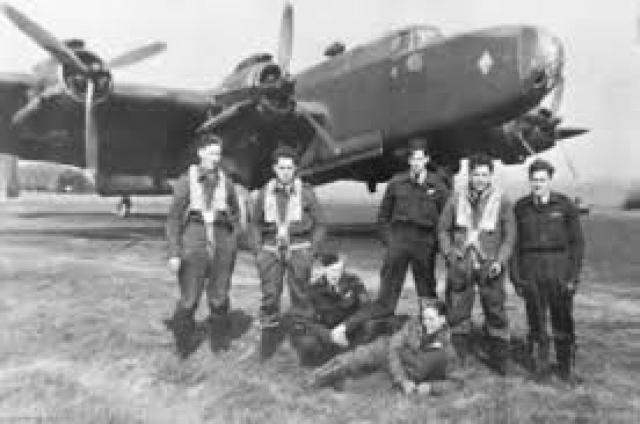 Джо Герман был пилотом бомбардировщика ВВС Австралии. Во время боя он был сбит.