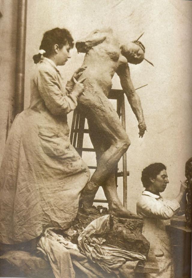 Женщина также была скульптором, причем талантливым. Многие ее работы Роден присвоил себе. Их отношения длились десять лет, после чего распались по инициативе мужчины.
