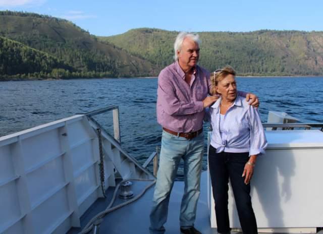 Помимо семейного взаимодействия пару связывают и рабочие отношения: в последние годы Консуэло является шеф-редактором всех документальных фильмов Молчанова.