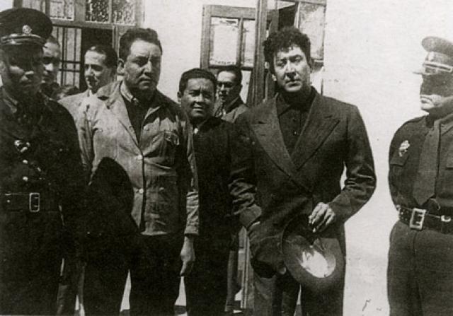 Все исполнители были подобраны самим Сикейросом, и ни один из них сотрудником НКВД не являлся.