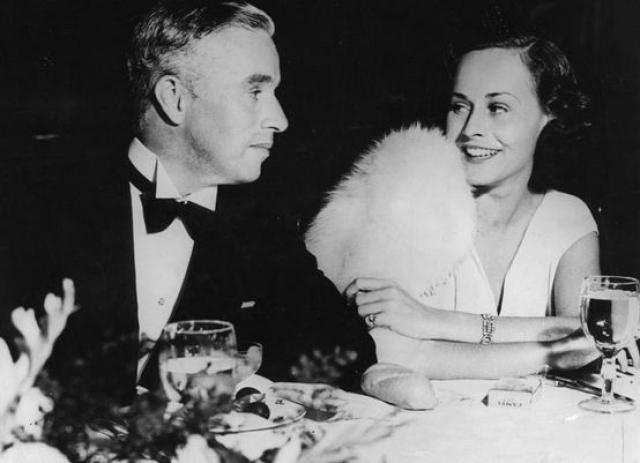 Чарли Чаплин и Уна О'Нил. 16 июня 1943 года, несмотря на протесты отца невесты, Чаплин и Уна поженились. После этого Юджин О'Нил прекратил с дочерью всякие отношения.