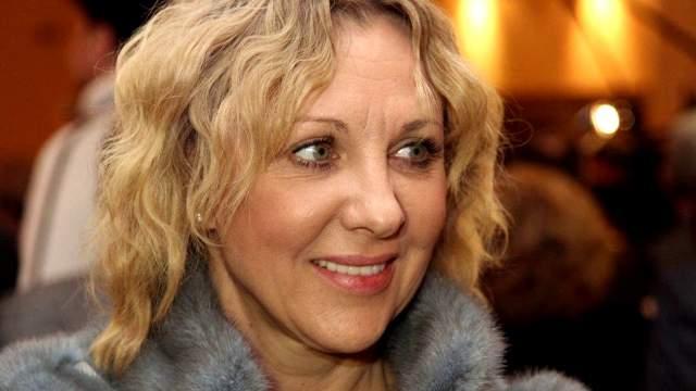 Елена Яковлева - также знаковая актриса российского кино, знакома телезрителям по множеству киноработ. Ее творческая биография насчитывает свыше 100 фильмов и сериалов, а также несколько десятков спектаклей.
