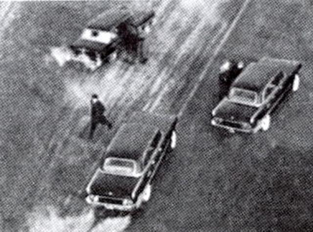 Пули попали не в ЗИЛ-310, любезно предоставленный генсеком, а во второй ЗИЛ-111, где сидели Береговой, Николаев, Леонов и Терешкова.
