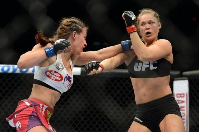 Увы, до последнего времени единственным камнем преткновения для Тейт служит Ронда Роузи, которая нанесла ей два тяжёлых поражения, лишив чемпионского статуса (Strikeforce), а после не позволила взять реванш, также в бою за чемпионский титул (UFC). Но теперь, после поражения Роузи, ситуация для Мишы может измениться.