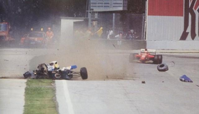 """СМИ прозвали его """"Волшебник"""", но, увы, """"магия"""" не помогла гонщику и он погиб в 1994 году в аварии на Гран-при Сан-Марино в Имоле."""