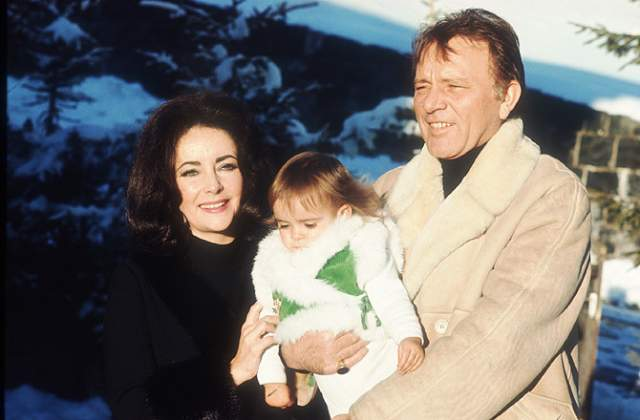 Пара воссоединилась в 1975 году, но менее чем через год последовал очередной развод: Бертон не сумел измениться. Если бы в 1984 году актер не скончался от кровоизлияния в мозг, возможно, их эпопея все еще продолжалась.