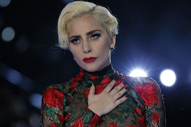 Леди Гага, 32 года. Стефани Джерманотта (настоящее имя артистки) - вот уж кто настоящий мастер перевоплощений (после Джексона, конечно).