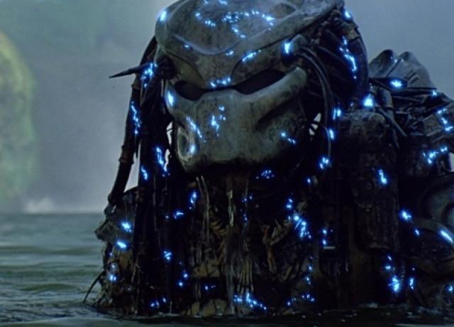 """""""Хищник"""" . Фантастический боевик с леденящим душу главным злодеем - пришельцем в страшной маске-шлеме."""