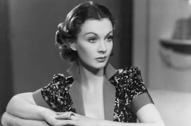 Вивьен Ли. Актриса именно благодаря необычайно харизматичной и привлекательной внешности получала самые интересные роли и была любимицей многих зрителей.