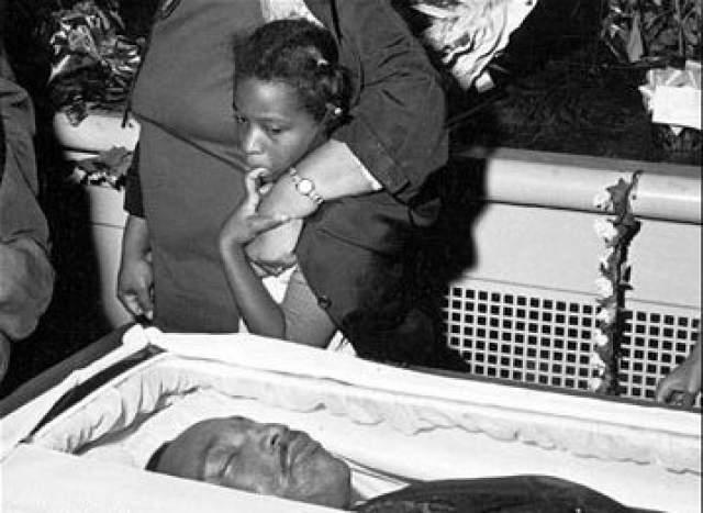Кинг был срочно отправлен в госпиталь святого Иосифа, где врачи вскрыли его грудную клетку и провели прямой массаж сердца. О его смерти было объявлено в 19.05. Убийца Джеймс Эрл Рей был приговорен судом к 99 годам заключения и умер в тюрьме в 1998 году в возрасте 70 лет.