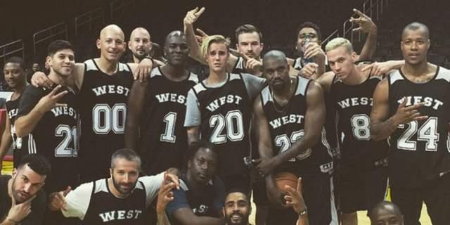 Канье Уэст снял за $110 000 спортивную площадку, чтобы сыграть с друзьями игру в честь своего дня рождения.