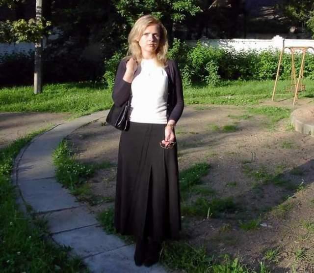 """И ее кинокарьера не заинтересовала. В 1983 году она поступила в Одесский политехнический институт по специальности """"экономист-программист"""", закончила его, вышла замуж и уехала с мужем в Белоруссию."""