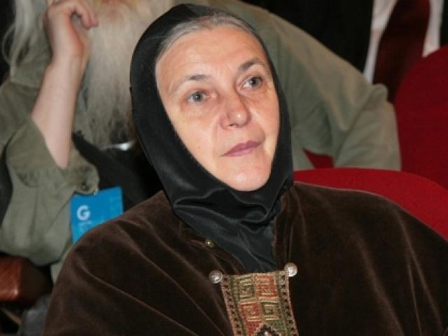 Так актриса Гобзева стала в инокиней Ольгу. Сейчас она возглавляет координационный Совет женских благотворительных организаций Русской православной церкви.