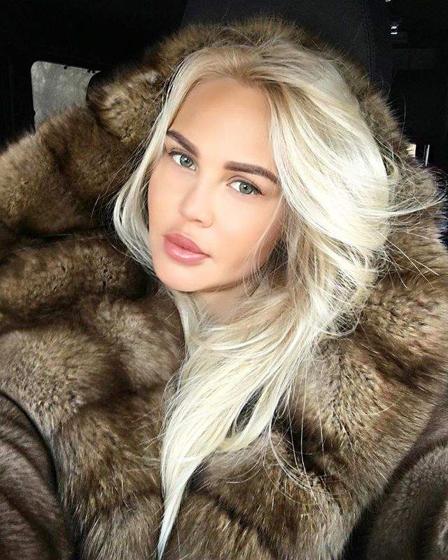 Вернувшись в Москву, Мария продолжила работать над собственным коллекциями одежды и открыла собственный бренд.