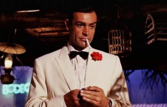 Начав сниматься в 1954 году, актер снялся более чем в 70 фильмах, среди которых семь экранизаций произведения Яна Флеминга, в одной из них Шон исполнил главную роль - Джеймса Бонда.
