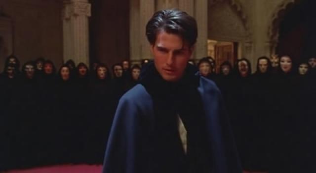 Под одной из них предстал и главный герой картины, которого сыграл Том Круз .