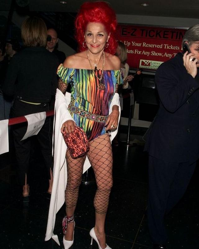"""Патрисия Филд. 68 летняя американка - стилист сериалов """"Секс в Большом Городе"""", """"Дурнушки Бетти"""", а также с 1966 года владелица собственного бутика."""