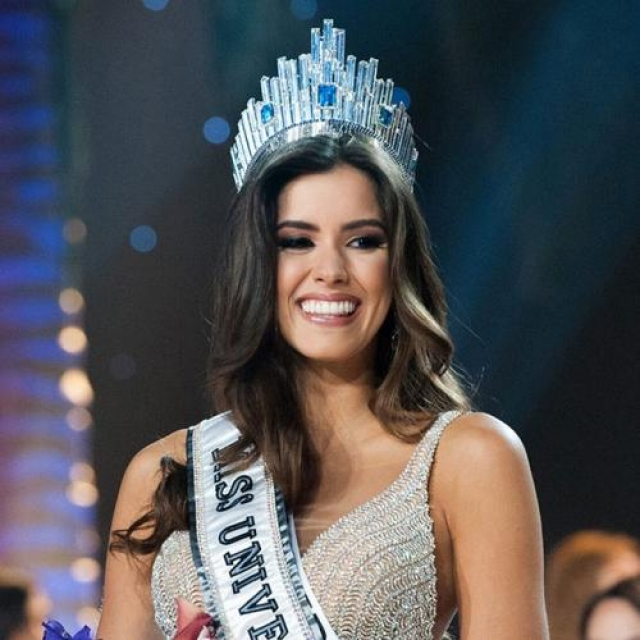 Паулина Вега, Колумбия. «Мисс Вселенная — 2014». 22 года, рост 178 см, параметры фигуры 95−70−95.
