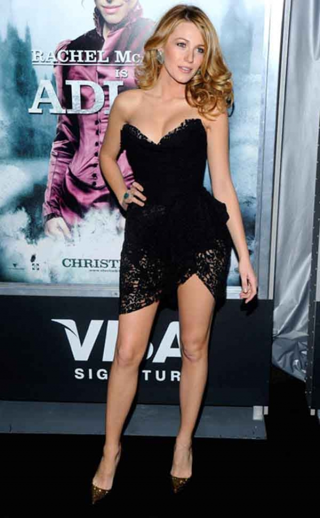 Блейк Лайвли. Актриса явно гордится своими ножками и предпочитает обнажать их полностью.