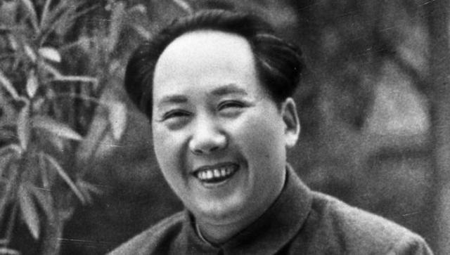 Кроме этого Мао никогда не чистил зубы, а для свежести полоскал рот чаем и жевал чайные листья.