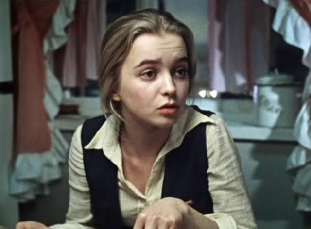 Александра Тихомирова, дочь Катерины - Наталья Вавилова .