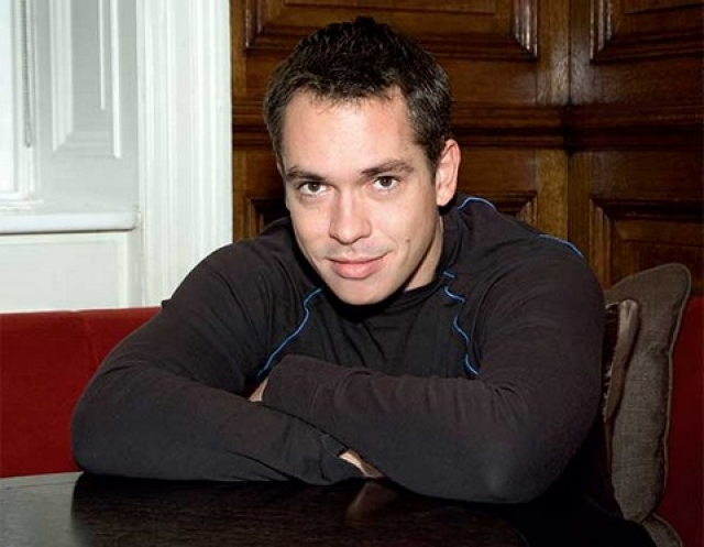 В 30 лет Иван вернулся в кино, сыграв главную роль в фильме отца, после чего уехал в Лондон получать театральное образование в школе искусств.