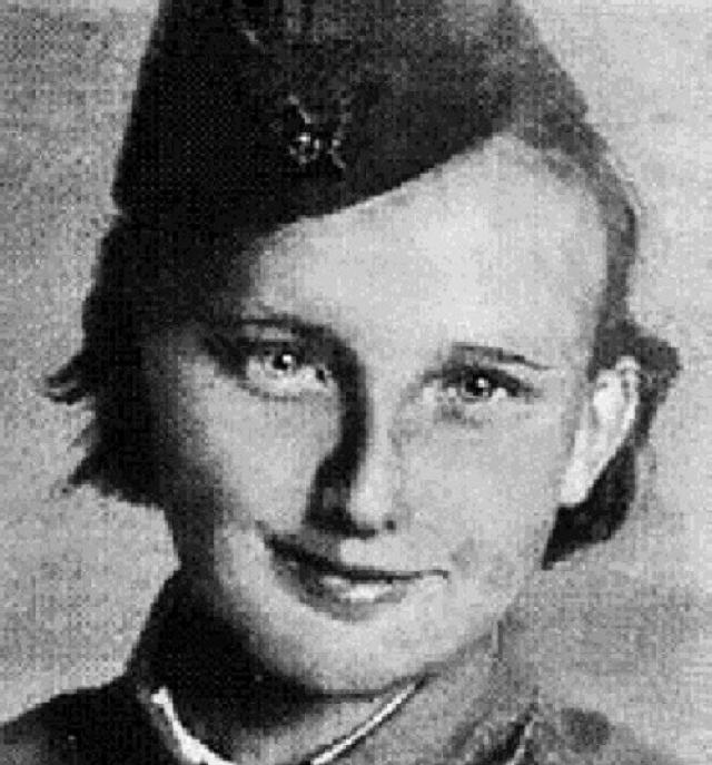 Люся Радыно. 13-ти летняя девочка оказалась в Сталинграде после долгих поисков родных и близких и добровольно стала разведчицей.