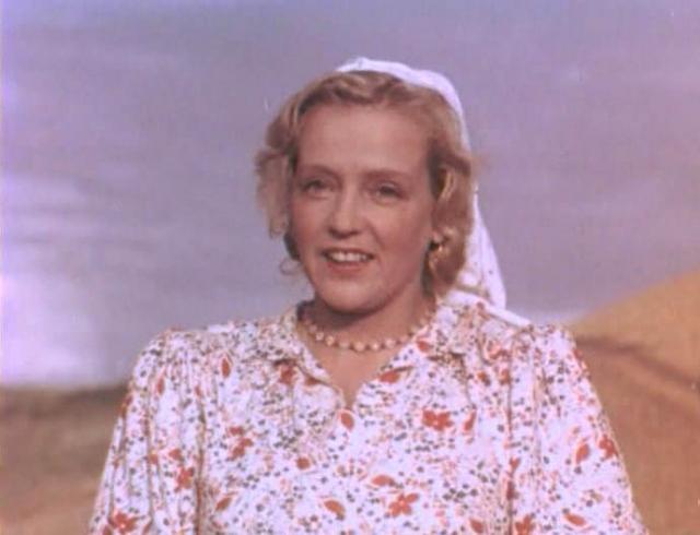 """Марина Ладынина ( 1908−2003). Звезда музыкальных комедий """"Свинарка и пастух"""" и """"Кубанские казаки"""" перестала сниматься в середине 60-х годов."""