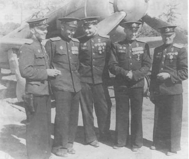 Георгий Костылев. 1913-1960. Герой Советского Союза. 10 личных побед и 35 в группе, но о нем пишут, что свои личные победы он часто приписывал группе.