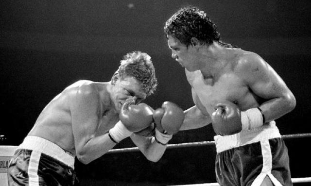 Билли Коллинз-младший. 21-летний американский боксер был успешным и подающим надежды спортсменом. Бой с Луисом Ресто должен был стать для него очередным проходным поединком на пути к более сильным соперникам.