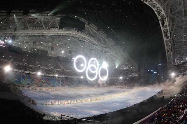 Но вот на западных каналах зрители увидели все, как это было в реальности, поэтому комментарии присутствующих на стадионе и западных пользователей поставили российских зрителей в тупик.