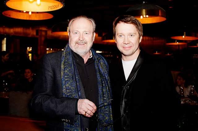 Для того, чтобы Миронов прочувствовал своего персонажа, режиссер Владимир Хотиненко отправил его в казино в немецком Баден-Бадене, где играл часто сам российский прозаик.