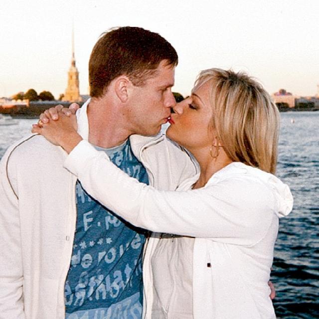 """Они познакомились во время интервью, которое Татьяна брала для одной из спортивных газет Санкт-Петербурга в рамках акции """"Звезда со звездою говорит"""". Это интервью состоялось 21 июля 2004 года."""