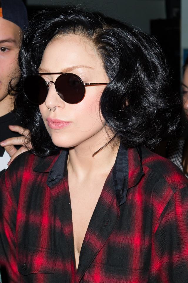 Леди Гага. Эпатажная певица - настоящий лидер по количеству и оригинальности париков.