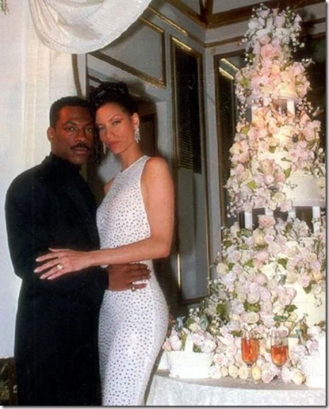 Эдди Мерфи и Николь Митчелл ($1,5 млн). Актер и фотомодель потратили такую сумму на бракосочетание в далеком 1993 году в нью-йоркском The Plaza Hotel.