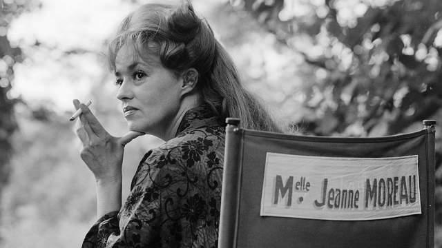 Любопытно, что проект был выбран самой актрисой, которая, однако, осталась крайне недовольна финальной версией фильма – лента оказалась самым оглушительным провалом из всех отечественных картин, когда-либо участвовавших в программе Каннского фестиваля.