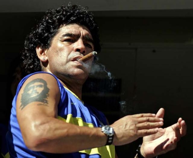 После очередного возвращения Марадоне стали угрожать, обещали подкинуть кокаин и после одного из матчей в его крови вновь были найдены остатки кокаина, но Диего обратился в полицию, с утверждением, что он сам ничего не принимал и что его специально отравили.