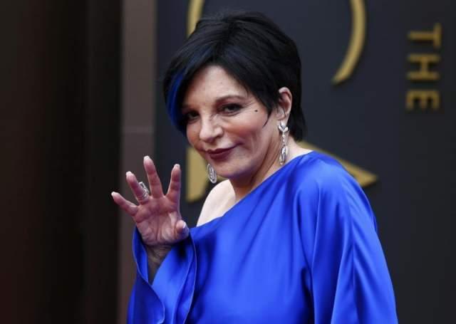 12 марта Лайзе исполнилось 72 года, но она чувствует себя неплохо. Западные СМИ сообщают, что она участвует в благотворительных аукционах.